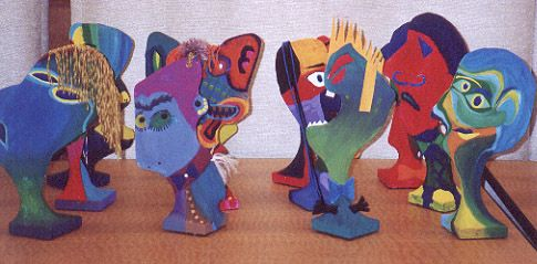 Picasso faces using pantyhose and coat hanger i love this for Coat hanger art projects