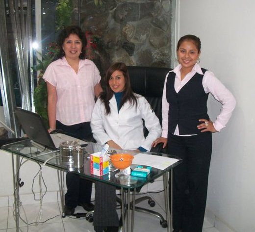 PRIMERO Y UNICO EN PERU Lasik, Excimer Laser  INTRALASE FEMTOSEGUNDO 100% láser. Catarata Glaucoma TECNOLOGIA LASER consultas@clinicadeojs.com.pe http://www.clinicadeojos.com.pe