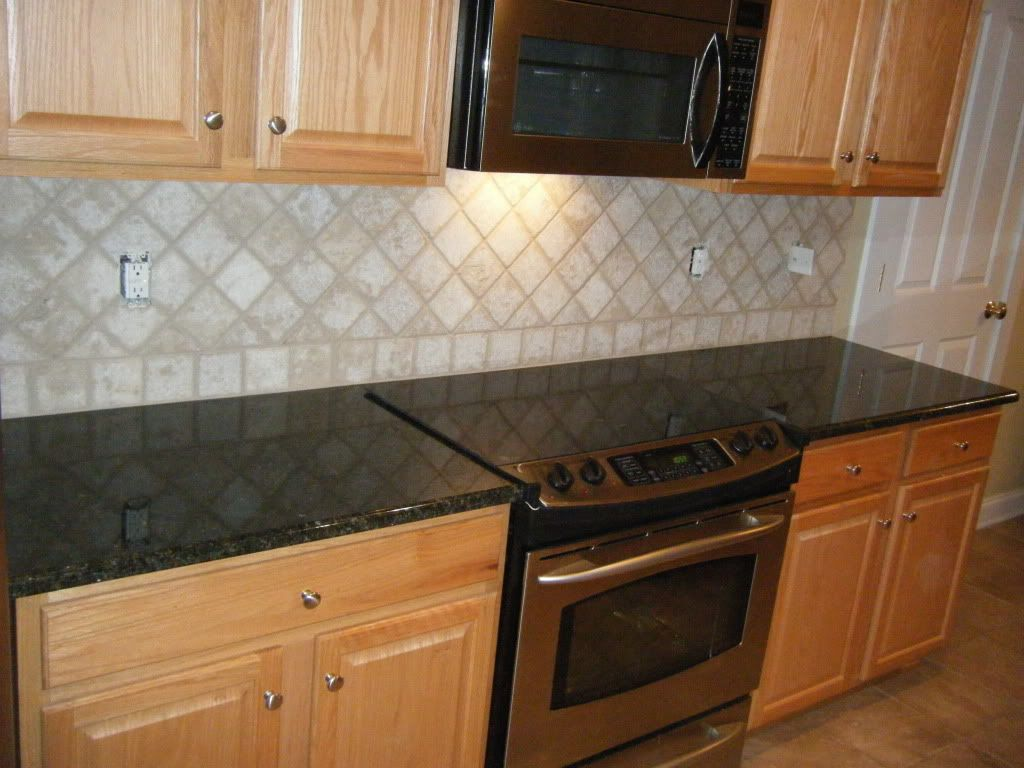 Kitchen Counter Backsplash Ideas Part - 30: Tile Backsplash For Green Granite | Granite-Tiles
