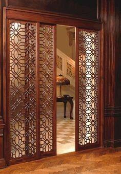 Lattice sliding panel door