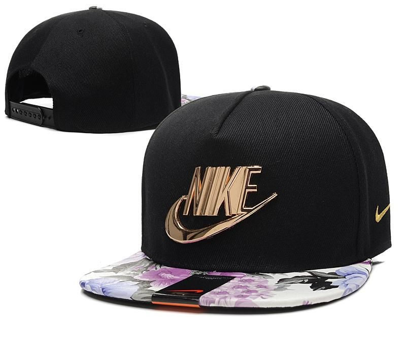 Men's Nike Classic Futura True Golden Metal Logo Snapback Hat - White / Gold
