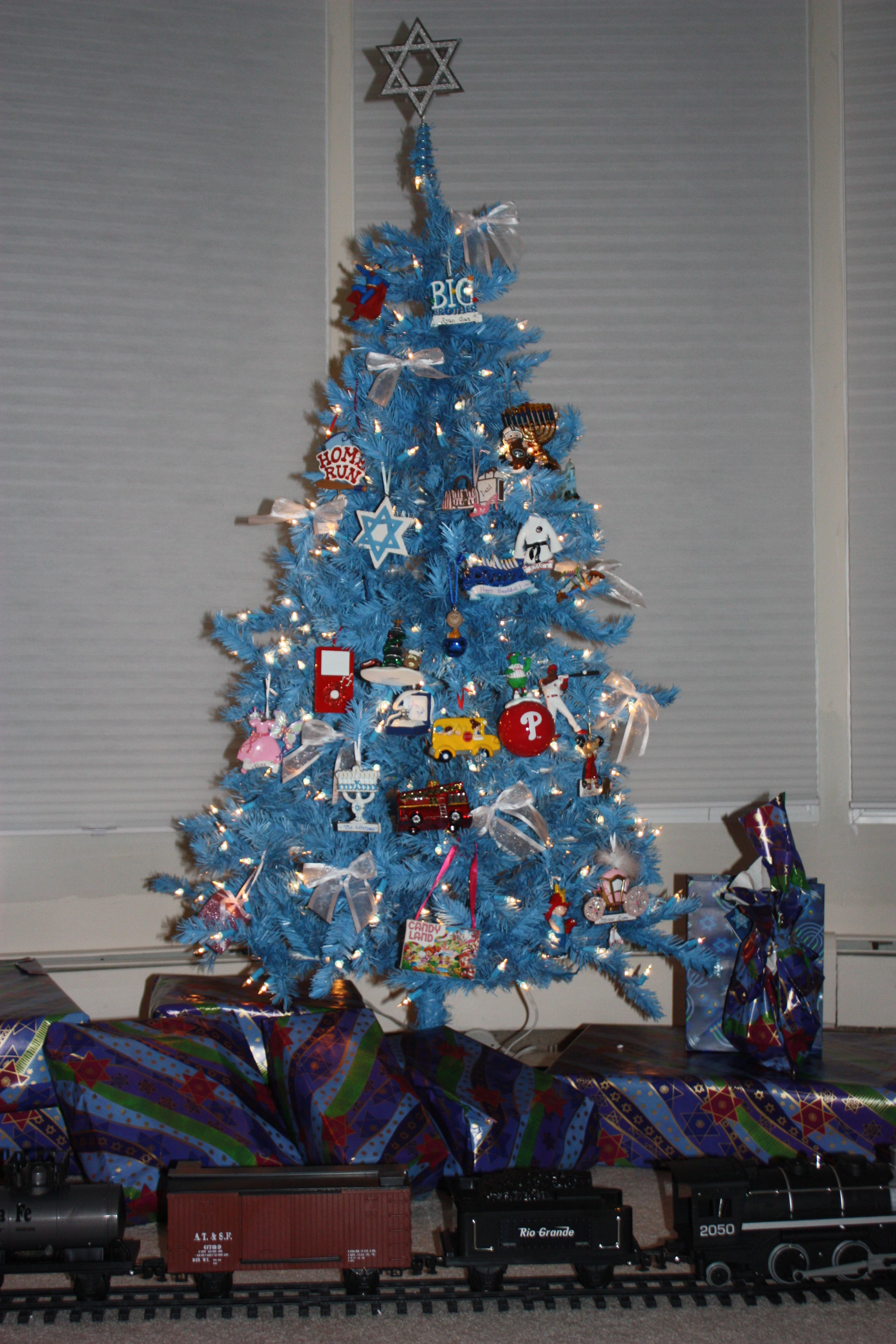 Hanukkah Bush or Jewish-themed Christmas tree? Either way, this ...