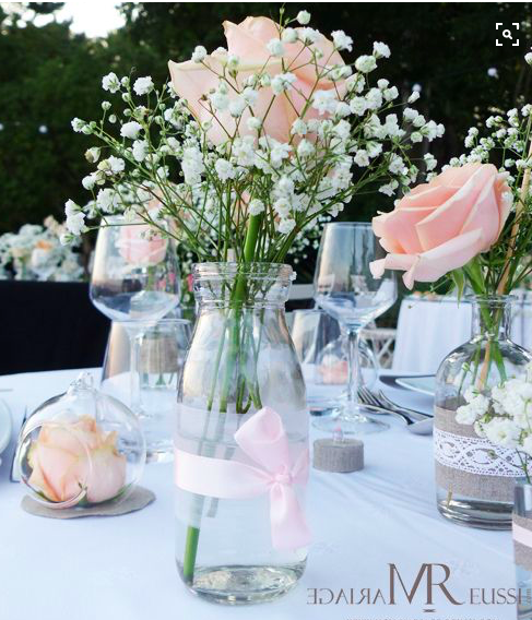 Centre de table chic et l ger rose et gypsophile bapteme for Decoration table bapteme