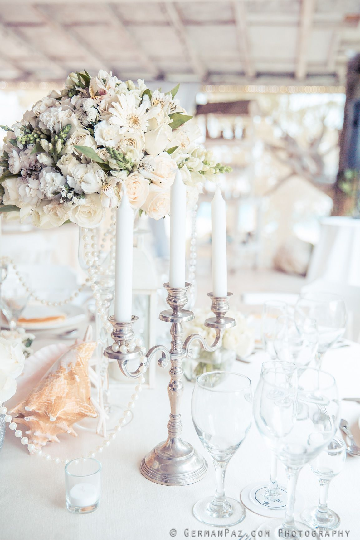 Fresh Flower Centerpieces And Candles Chandelliers- - Venue Kukua Punta