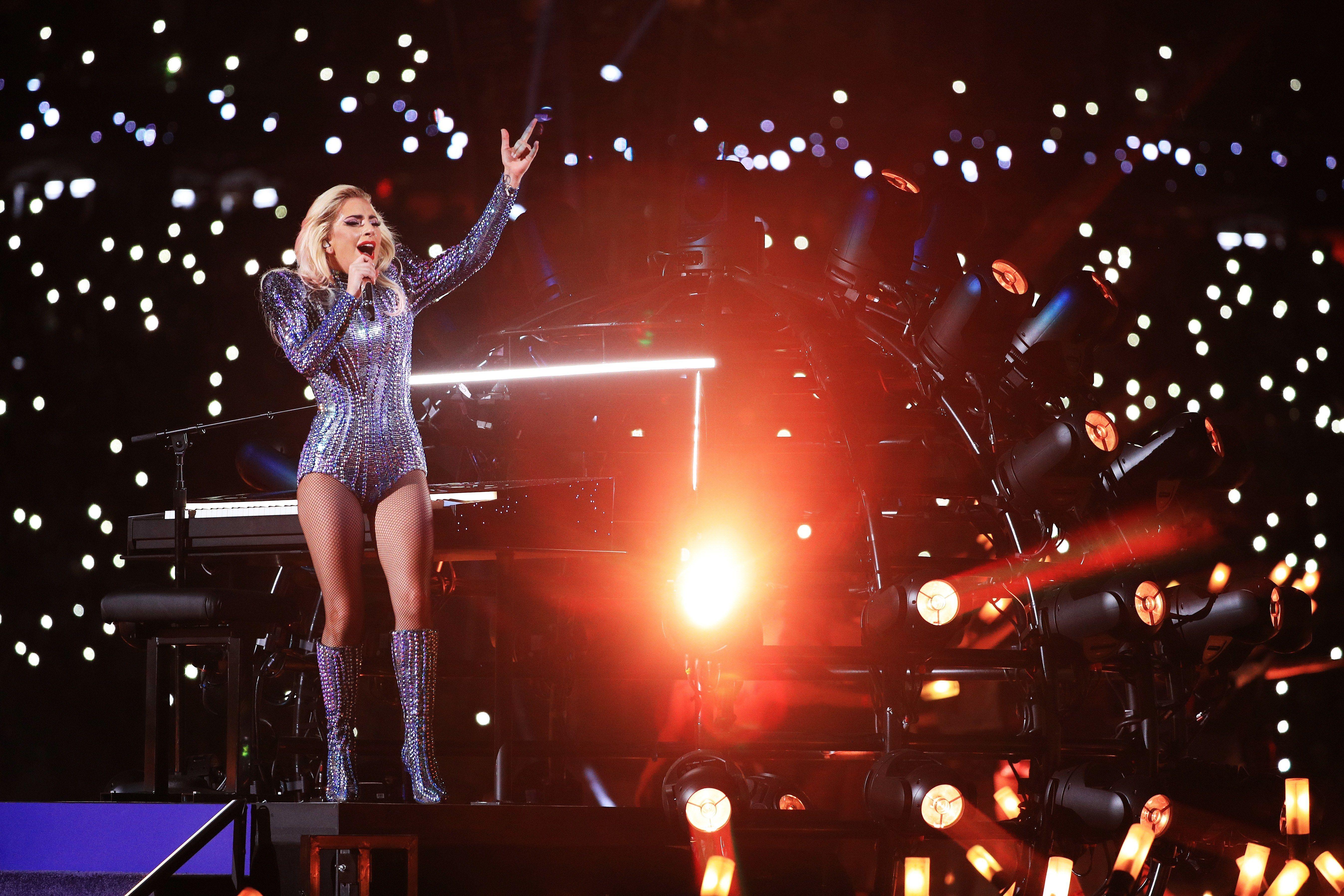 The Internet Can T Breathe After Lady Gaga S Super Bowl Halftime Show Lady Gaga Super Bowl Lady Gaga Lady Gaga Photos