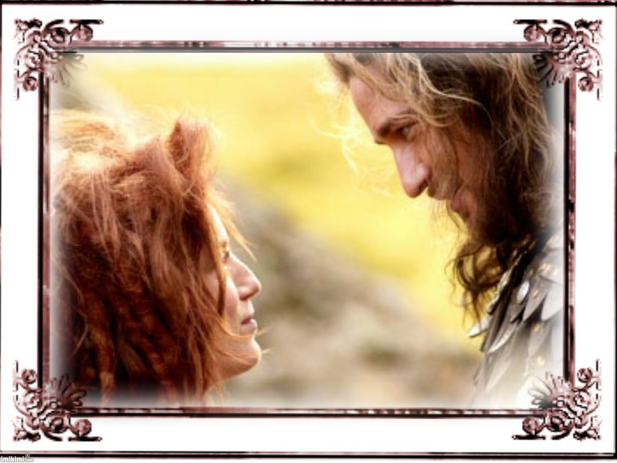 Gerard Butler and Sarah Polley ... Beowulf and Grendel <3 <3