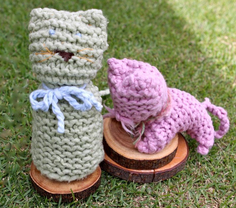 Knitting Animals From Squares : Handmade toys from very simple knitted squares and