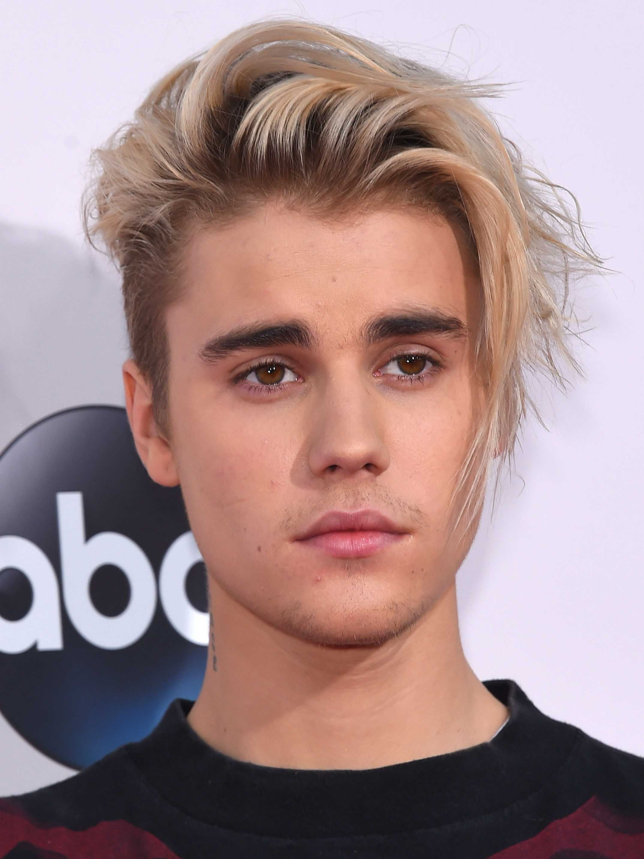Edgy Side Swept Fringe Shorthairedgy Haircuts For Men Justin Bieber Long Hair Long Hair Styles Men
