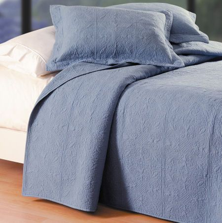 Solid Color Colonial Blue Quilt Bedding From Cu0026F