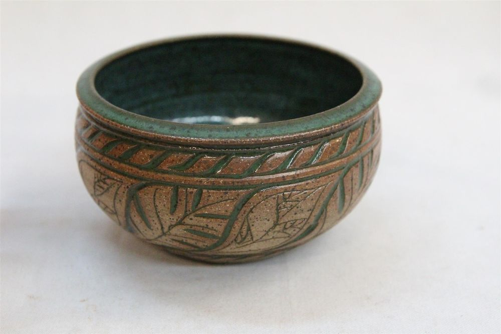 Mid Century Modern Hand Thrown Twisted Leaves Speckled Green Pottery Bowl Susan