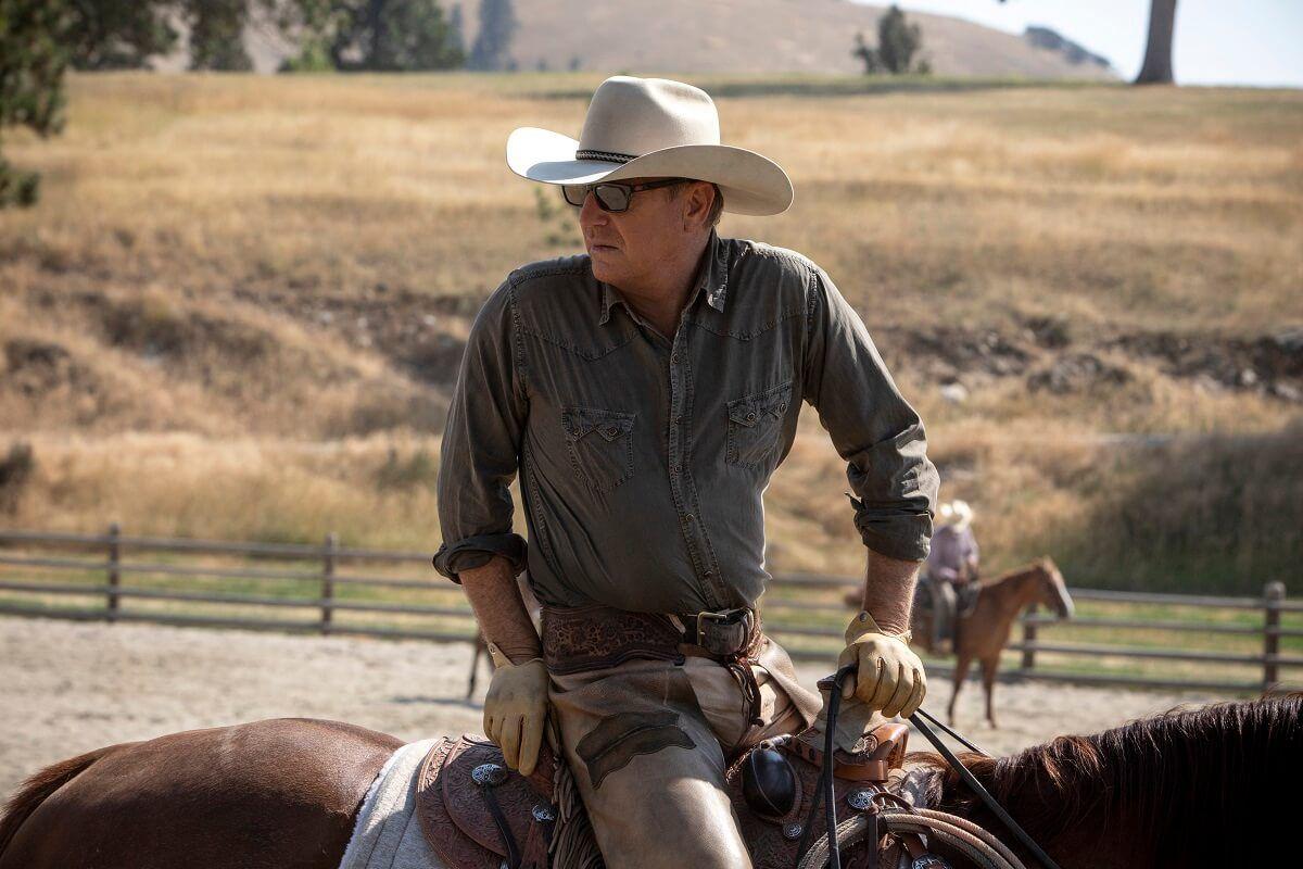 Yellowstone Season 2 Episode 1 Recap A Thundering Yellowstone Season 2 Episode 1 Kevin Costner