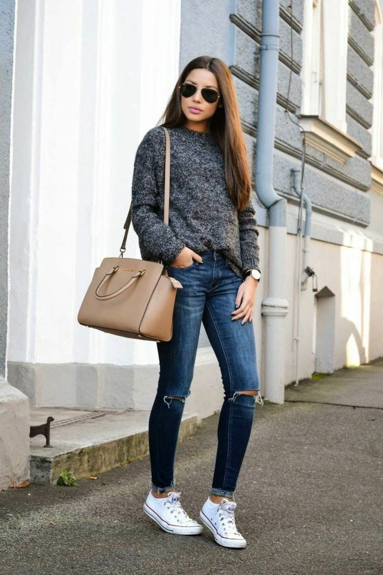 Herbst Outfit Chucks Sportlich Elegant Pullover Dunkelgrau