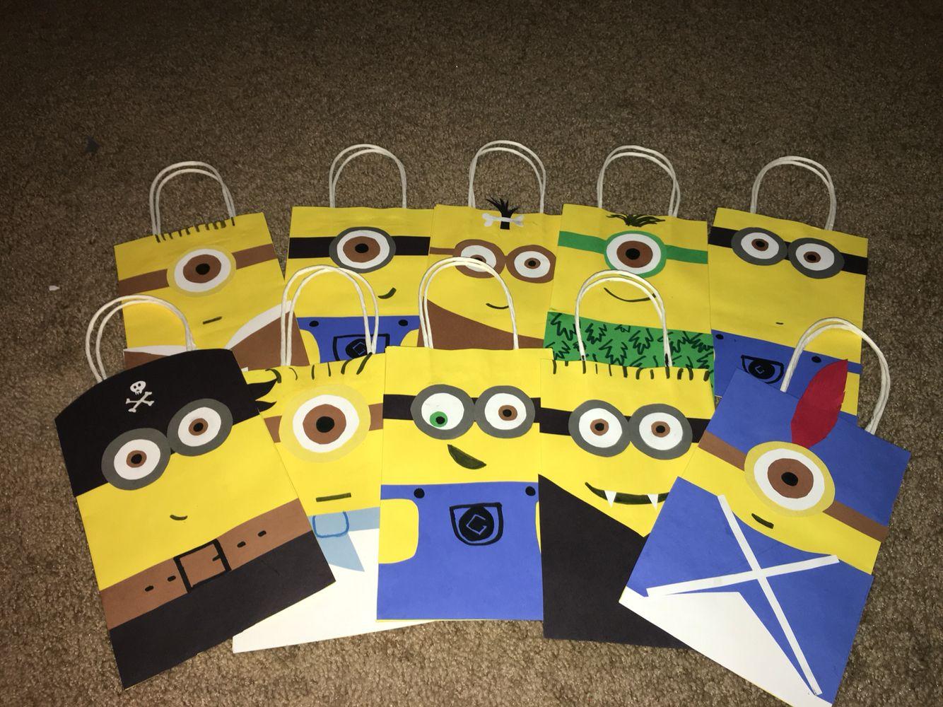 DIY Minion party favor bags