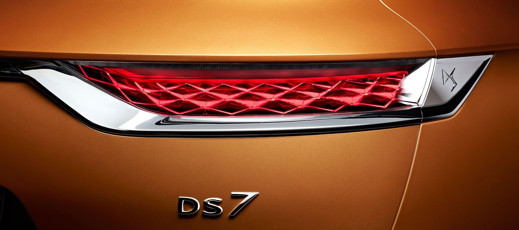 Citroen Ds 7 Crossback Taillight With Images Ds Automobiles Transportation Design Miniature Cars