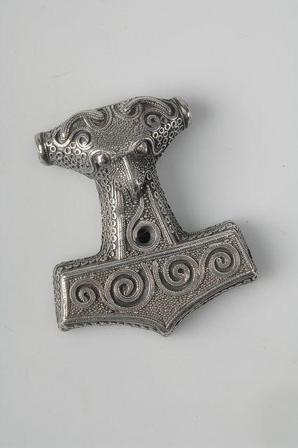 Pendant, Thor's hammer. Silver, filigree ornamentation. Unknown find spot, Scania, Sweden.  SHM 9822:810