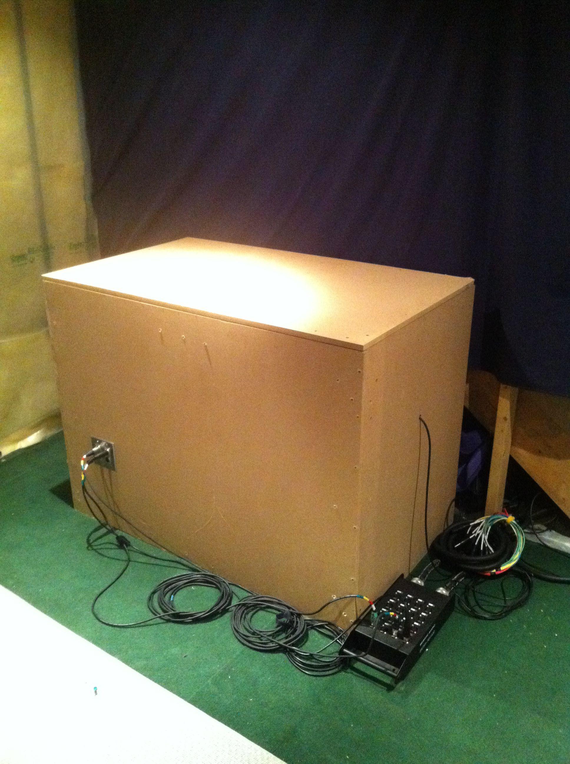 2x12 amp isolation box recording studio home audio room