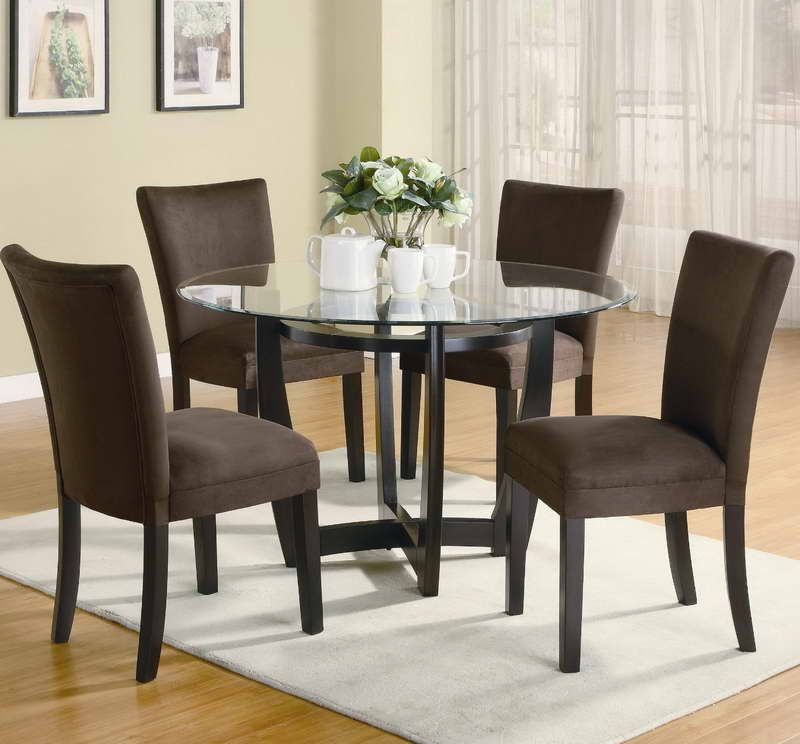 Furnitures Fashion Small Dining Room Furniture Design: Small Spaces' Dining Room Table & Chairs