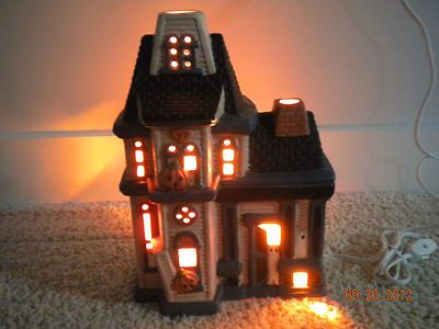 Halloween Pacific Rim Ceramic Hand Painted Haunted House Lights Electric W Box Ebay Success