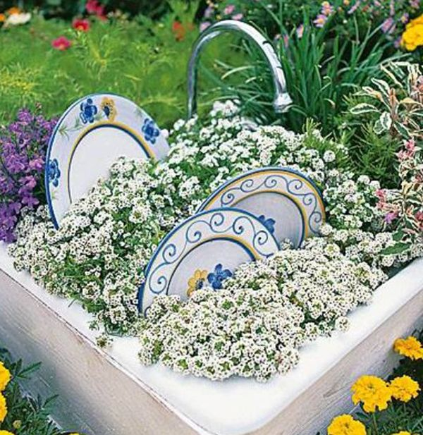 15 Creative Garden Ideas With Unusual Items | Home Design And Interior |  Homemydesign | Pinterest | Creative Garden Ideas, Garden Ideas And Gardens
