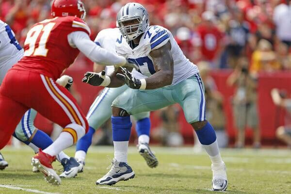 Tyrone Smith pass protecting against KC Chiefs.