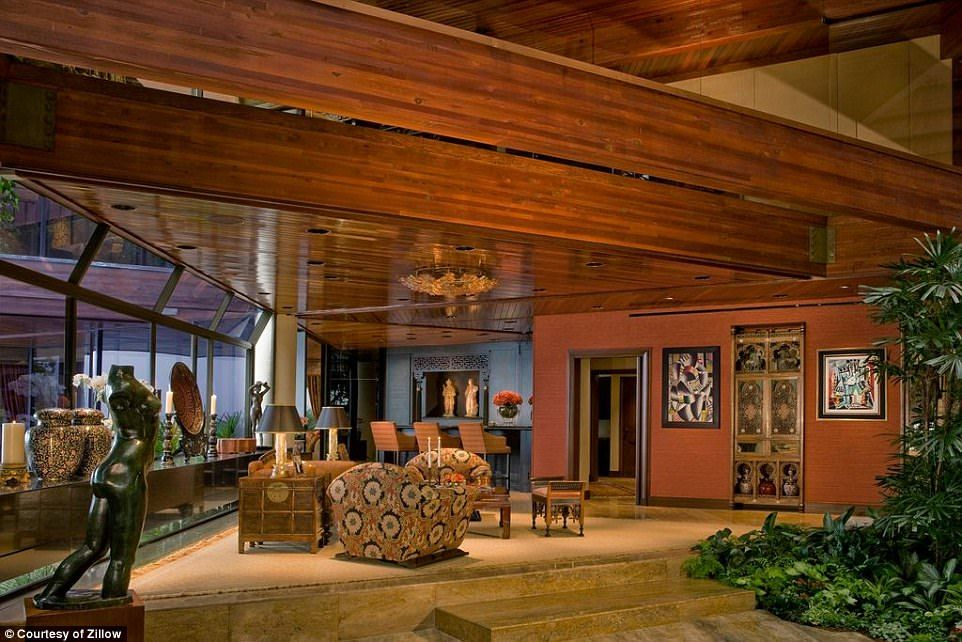 Talk show host Johnny Carson's home in Malibu for sale at