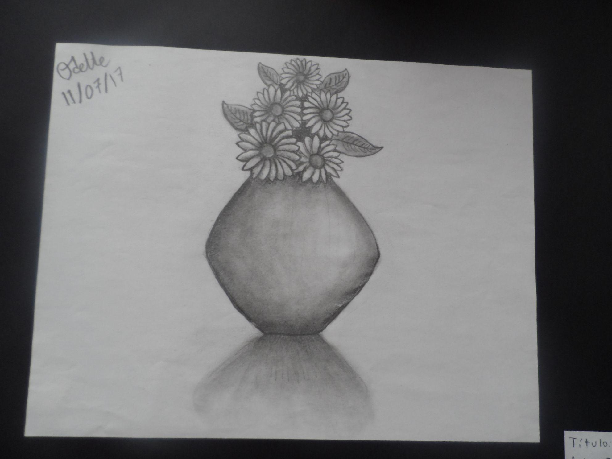 Este Es Un Dibujo A Lapices Un Jarron Con Flores Jarron De Flores Jarrones Dibujos