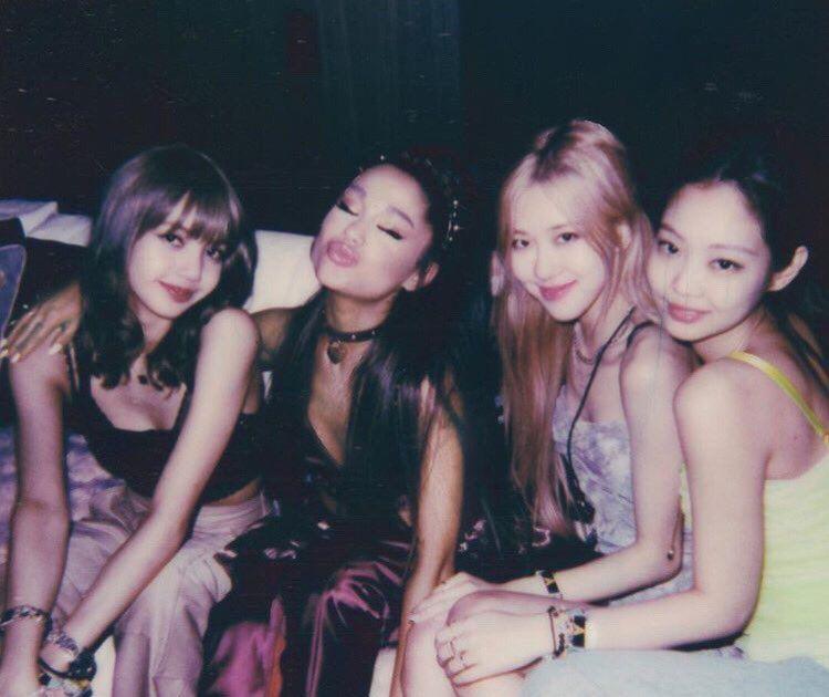Ariana Grande Update 🌸 on
