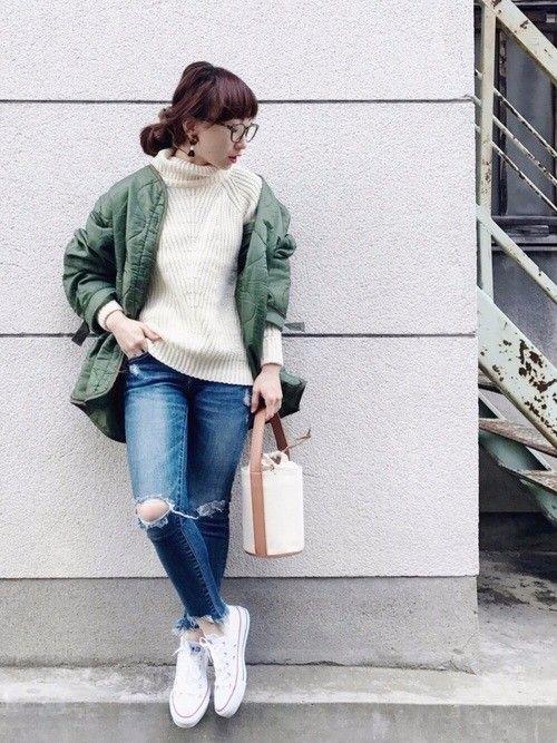 PONTEの記事「ボーイッシュなコーデには女っぽアイテムをひとつプラスが◎トレンドカーキが使える最新コーデ♪」。今話題のファッションやトレンド情報をご覧いただけます。ZOZOTOWNは2,000ブランド以上のアイテムを公式に取扱うファッション通販サイトです。