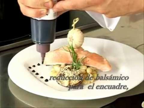 Tres presentaciones para un plato principal montajes for Decoraciones de platos de cocina