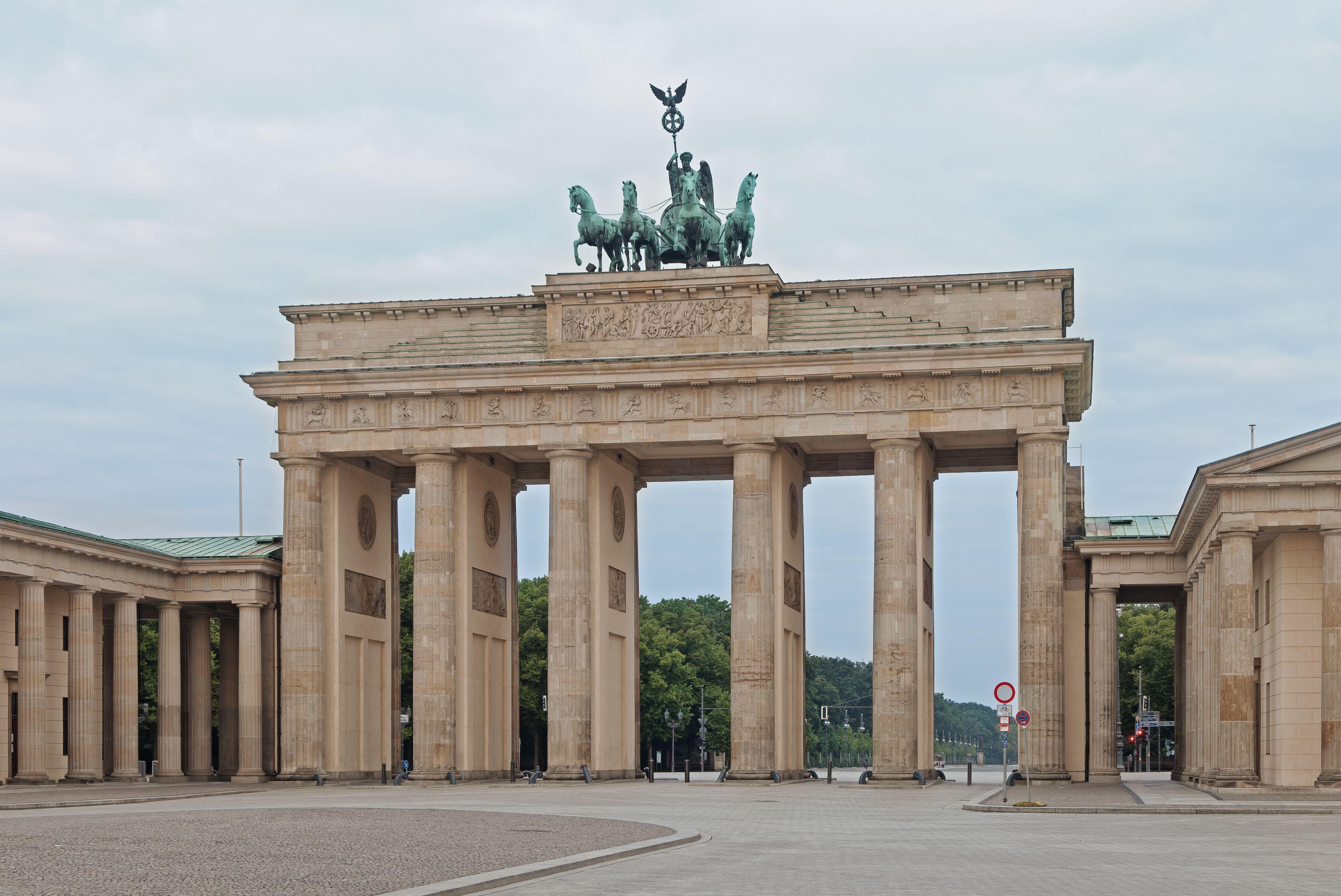 Brandenburg Gate 1788 91 Berlin Carl Gotthard Langhans Berlin Brandenburg Gate Favorite City