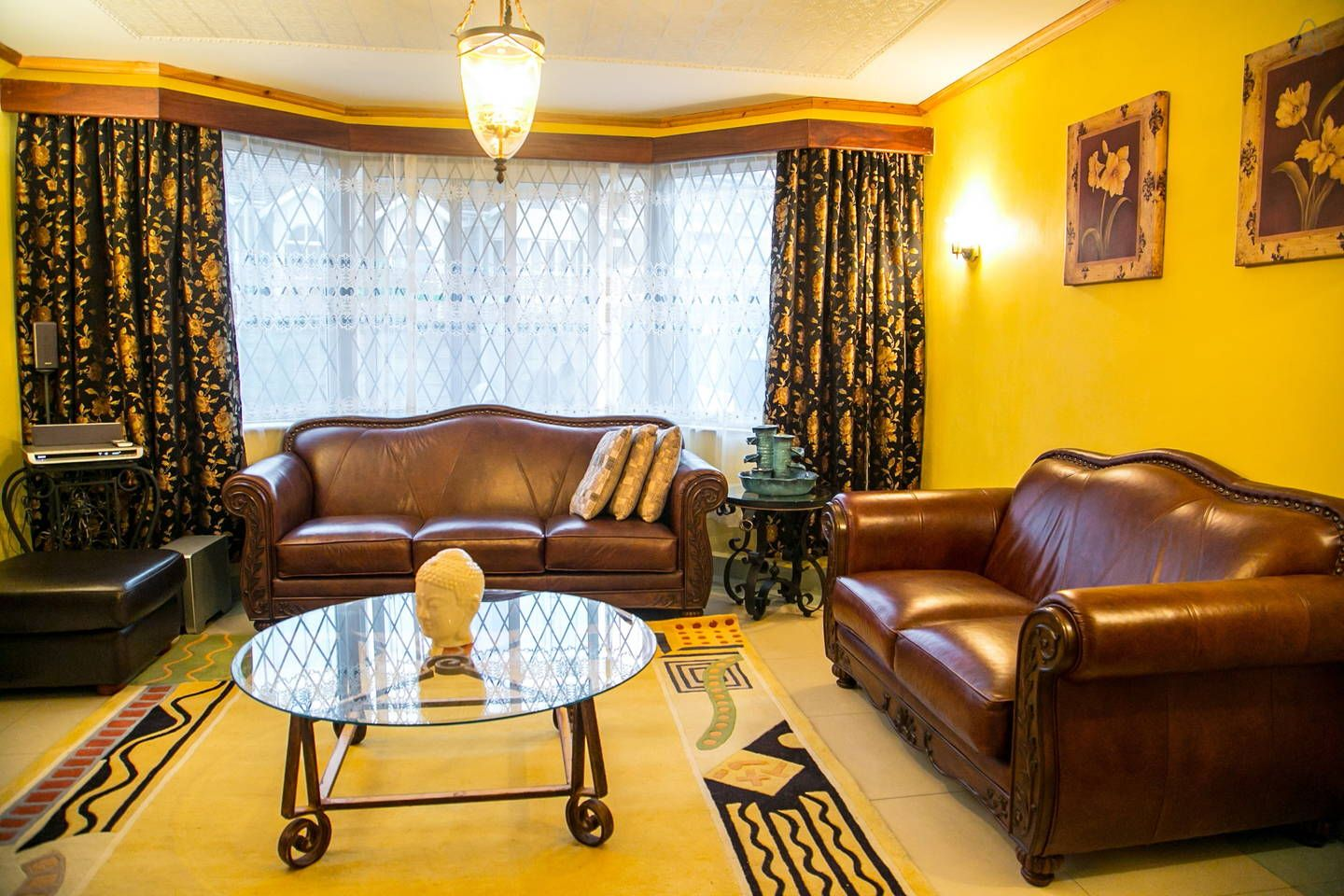 Lavishly Furnished Living Room Soft Italian Leather Seats Home Renting A House Luxury Homes