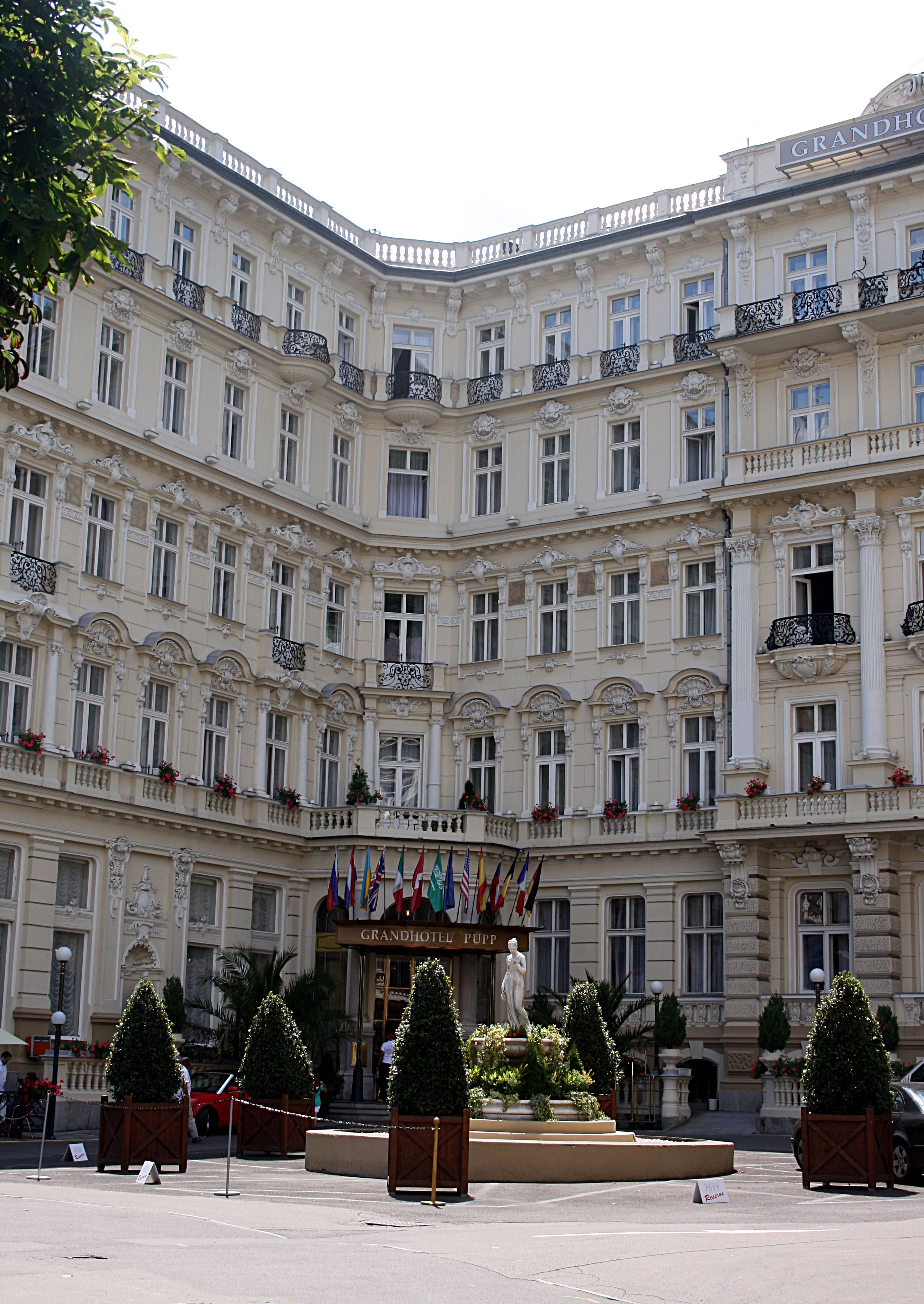 File Karlsbad Grandhotel Pupp Img 6399 Jpg Wikimedia Commons Grand Budapest Hotel Grand Budapest Places In Europe