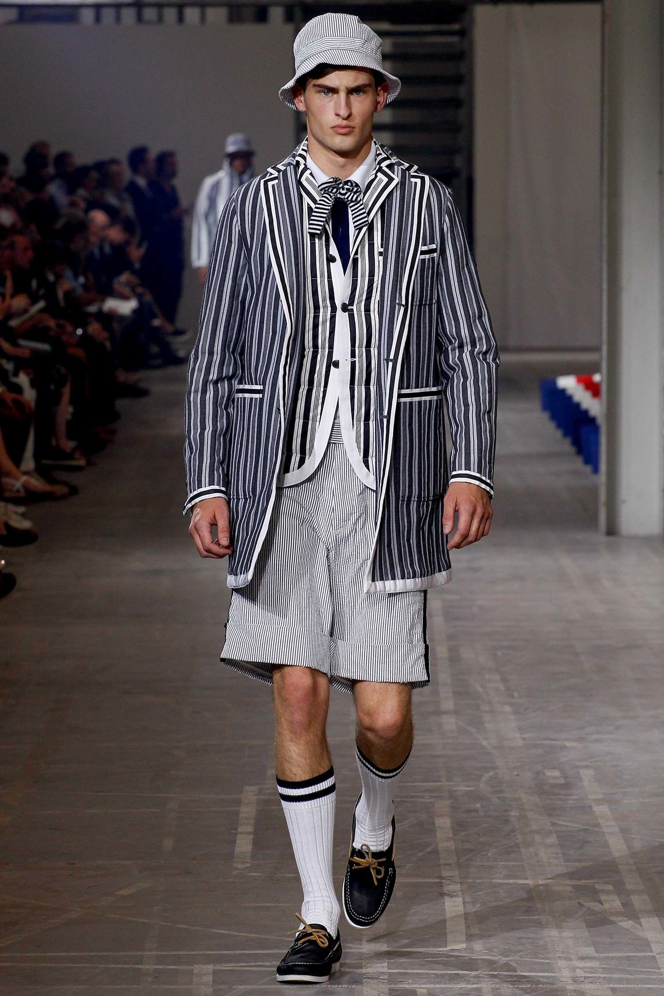 Moncler Gamme Bleu Spring 2016 Menswear Collection Photos - Vogue