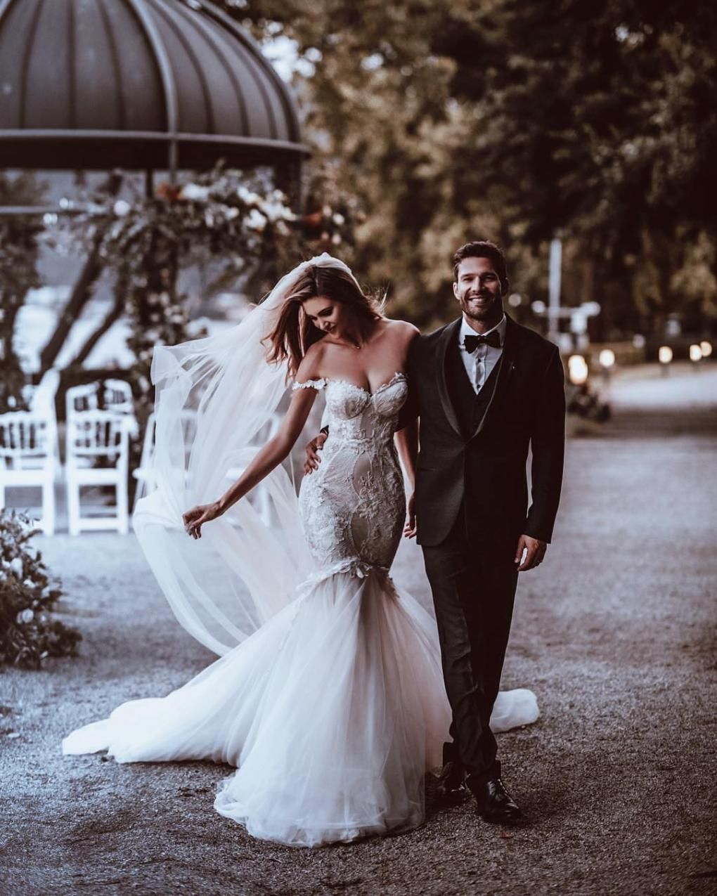 de07f8fcf27a From a mermaid wedding dress to the perfect location, this is everything  you need in