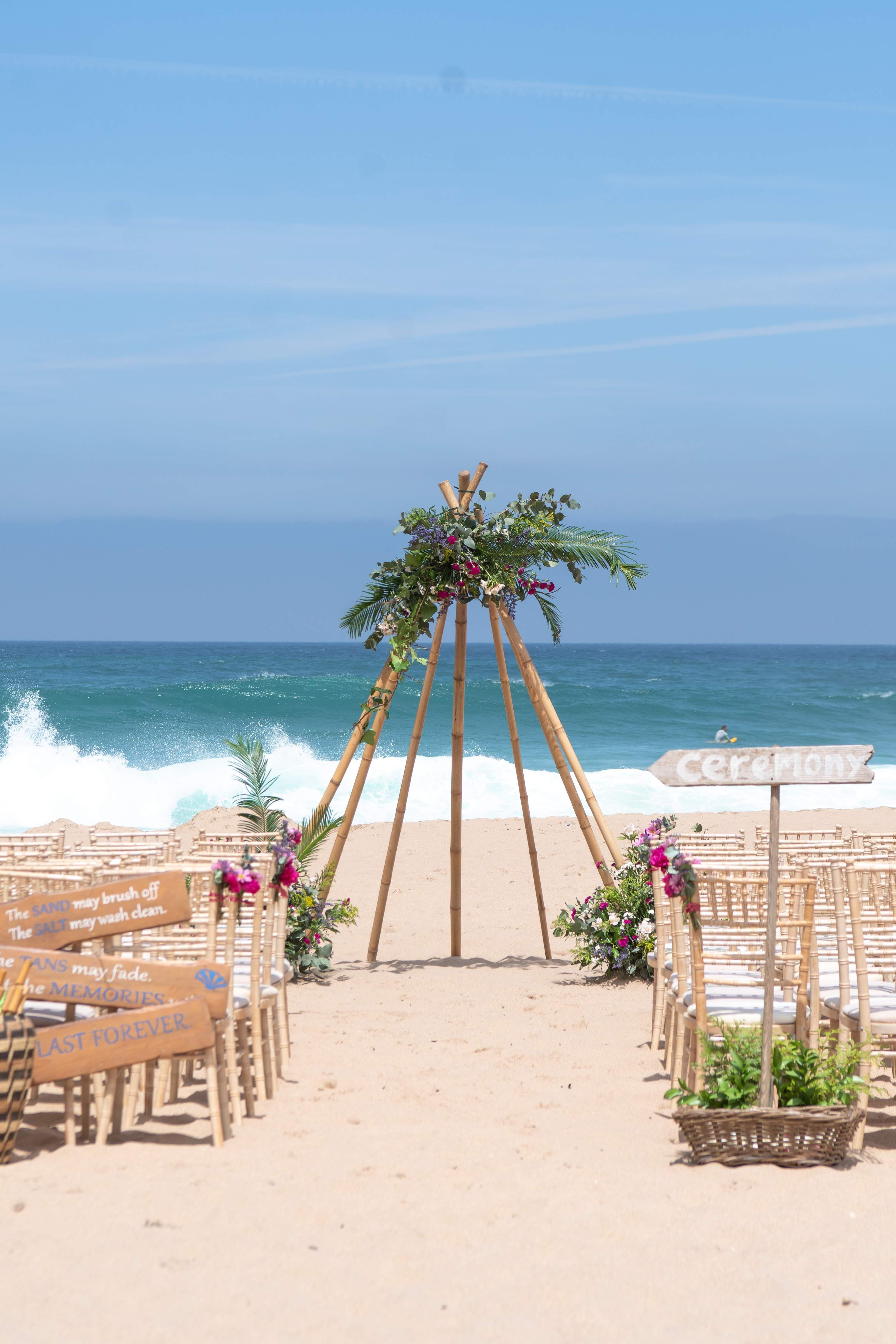 Pink Rustic Beach Ceremony at My Vintage Wedding Portugal ...