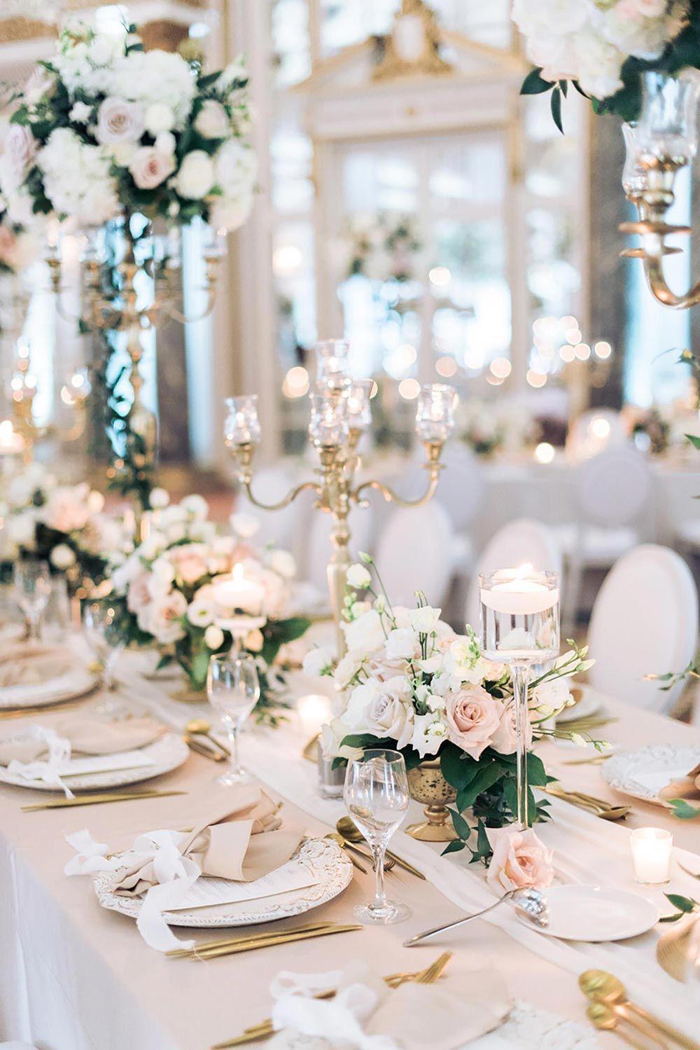Luxuriöse Chateau Laurier-Hochzeit mit dem Blumentunnel, gekräuselt   – Wedding table decorations