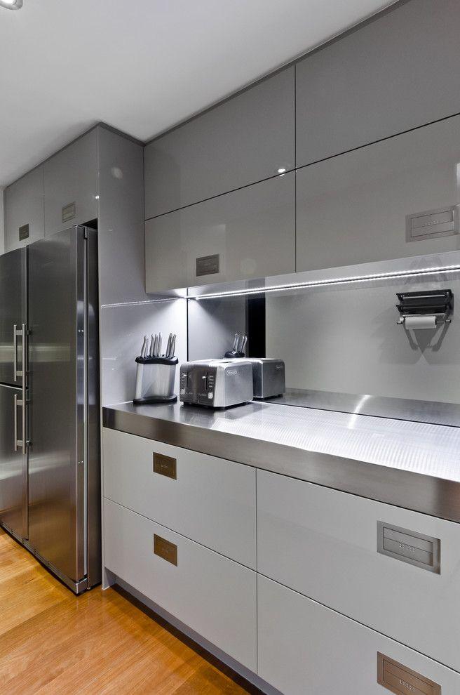 Gold Coast Kitchen - contemporary - kitchen - brisbane - Interiors ...