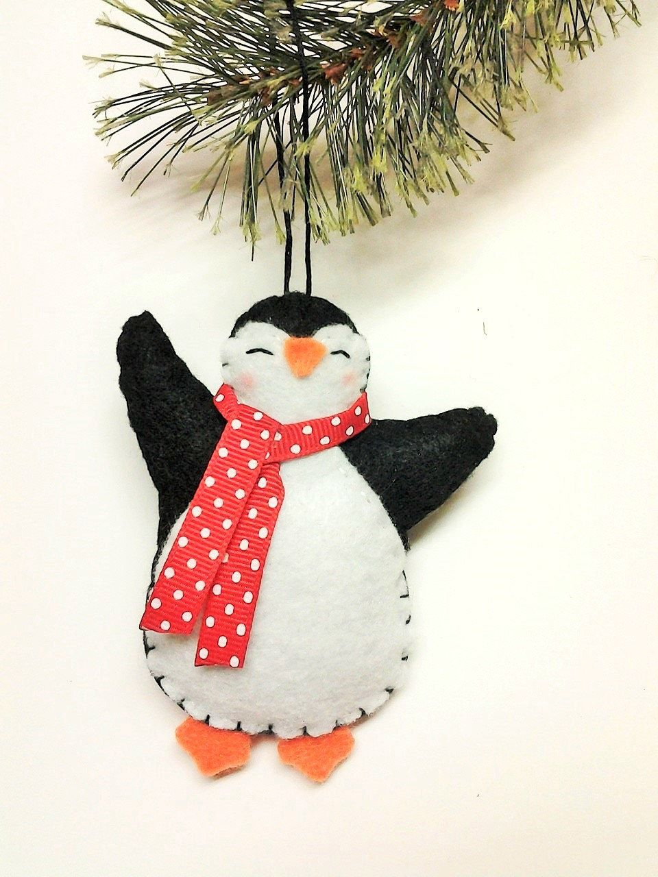 Felt penguin christmas ornament felt by beckylynncreations things