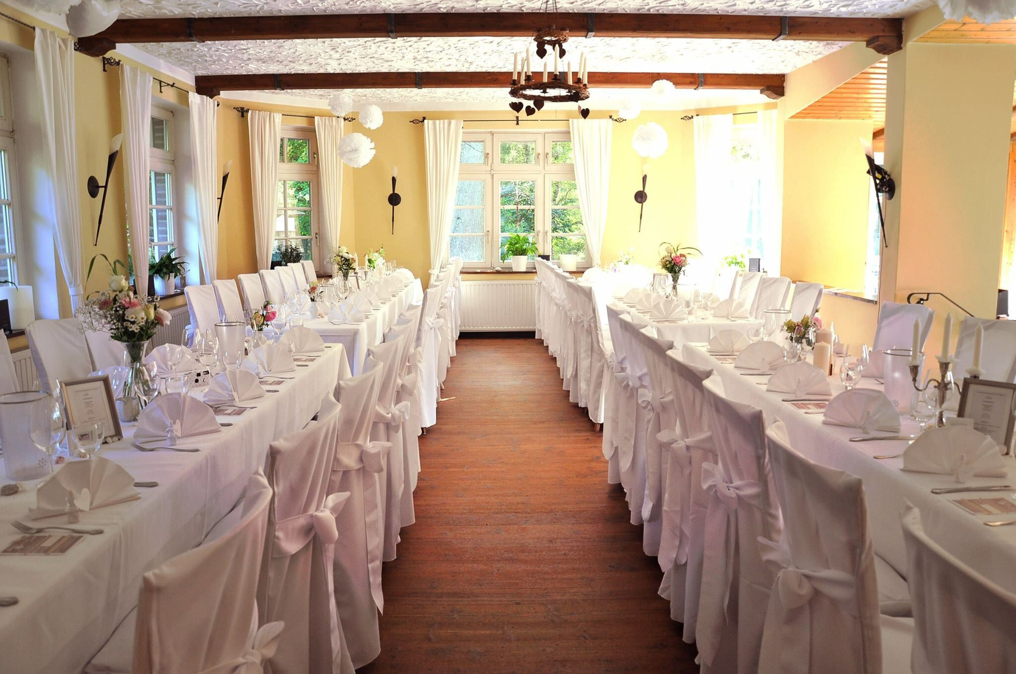 Das Strandhus Grossensee Restaurant Hochzeiten Feierlichkeiten Hochzeit Am See Restaurant Feierlichkeiten