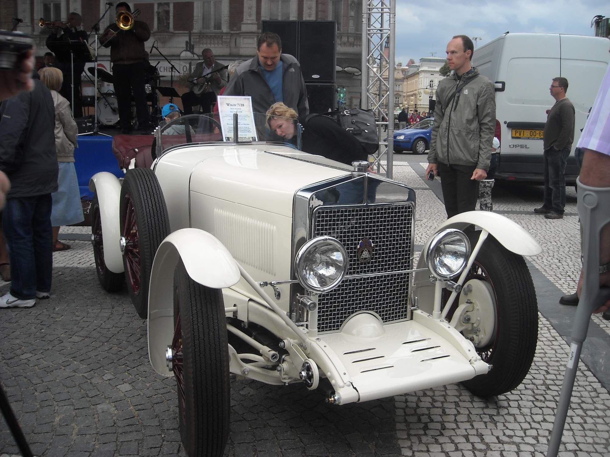Pin By Jan Halaxa On Czechoslovak Classic Cars Pinterest Cars