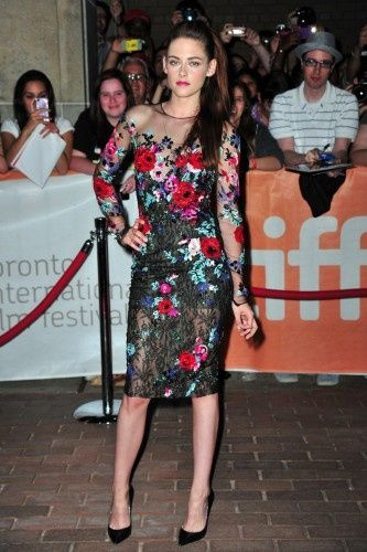 Our 5 favorite Kristen Stewart outfits of all time! Which one is yours?