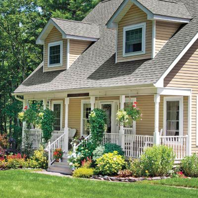 Best 25 foundation planting ideas on pinterest porch for How to plant bushes in front of house