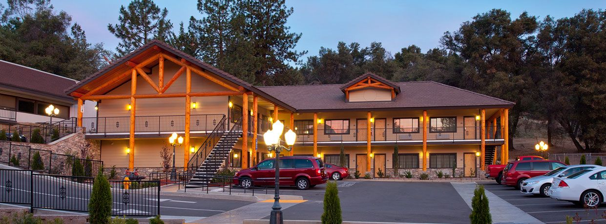 Yosemite National Park And Other Top Attractions With Family Suites Pool Dining Meeting E Stunning Mountain Views At Our Oakhurst Ca Hotel