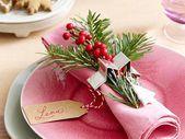 Weihnachtliche Tischdeko - 5 Ideen für die Festtafel | LECKER - #Adventskranz #Balkon #Baum #Deko #die #Fensterbank #Festtafel #Für #Holz #Ideen #ImGlas #Kinder #lecker #MitKindern #Natur #Skandinavisch #Sterne #Tischdeko #Treppe #Weihnachtliche #weiß #Zweige #adventskranzskandinavisch