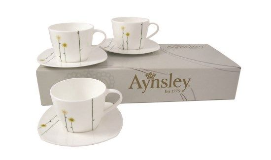 Aynsley Daisy Teacups and Saucers Set of 6 Set of six teacups and ...