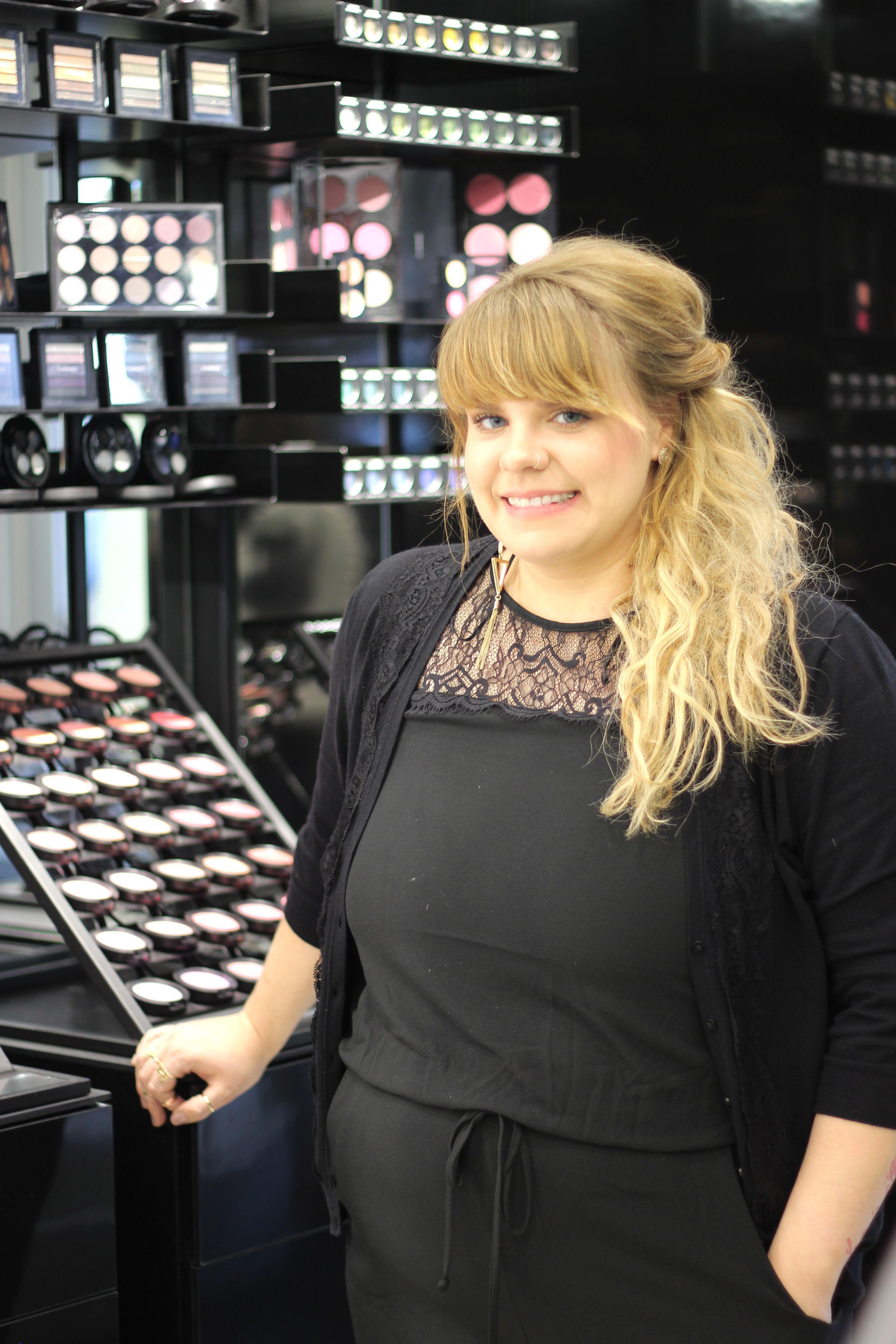 Tips from a MAC Makeup Artist Mac makeup artists, Mac
