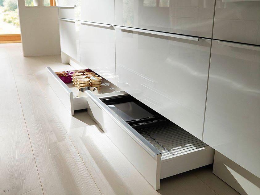 Dankuchen Gratis Plintladen Bij Aanschaf Keuken Bergruimte Keuken Inspiratie Klein Appartement Keuken Keuken Ideeen