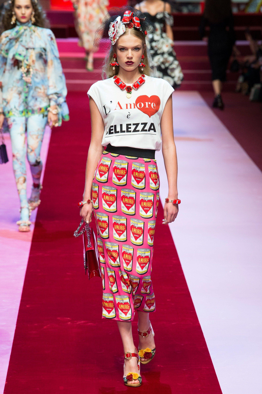 Dolce   Gabbana Spring 2018 Ready-to-Wear Fashion Show   Fashion and ... c7e20966bd