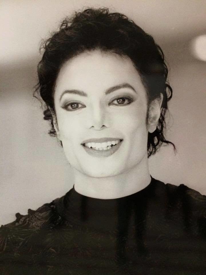 3053044a84e Michael Jackson ❤ Beautiful smail...   マイケル・ジャクソン ...