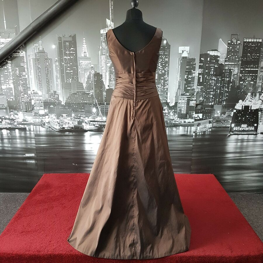 Sarah Danielle Dress Chocolate Size 14 Mother Of Bride Rrp A 200 Ad Spon Chocolate Danielle Dress Evening Dresses For Weddings Game Of Thrones Dress